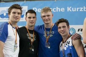 Finale DKM Siegerehrung 4x50m Freistil Männer. SG Stadtwerke München Platz 2. *** Marius Kusch; Philipp Wolf; Oliver Zeidler; Pascal Winter