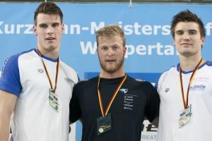 Finale DKM Siegerehrung 100m Freistil Männer. *** Philipp Wolf; Steffen Deibler; Marius Kusch